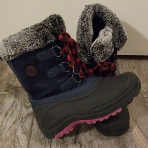 NWOT Totes Adventure Gear girl boots